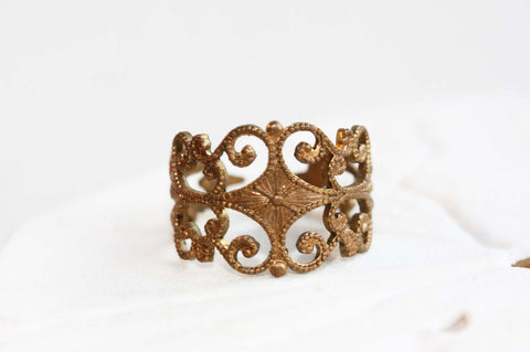 Filigree Gold Band Ring