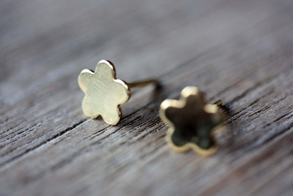 Cartoon Flower Studs