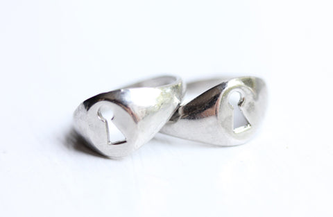 Silver Keyhole Ring - Sizes 4,5,6,7