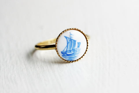 Tiny Gold Ship Ring - Size 6
