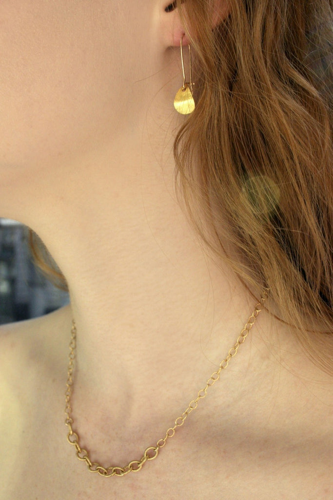 Nautical gold chain from Diament Jewelry, a gift shop in Washington, DC.