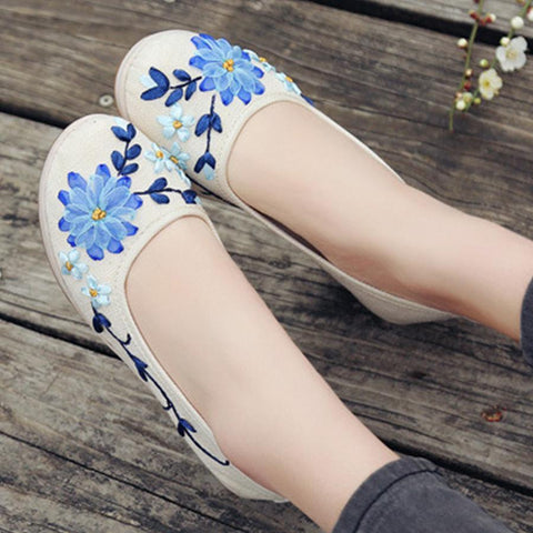 Embroidery Floral  High Heeled  Blend  Round Toe  Casual Pumps