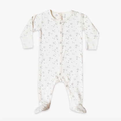 Quincy Mae Organic Full Snap Footie in Ivory Stars