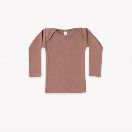 Quincy Mae Organic Ribbed Lap Tee in Clay