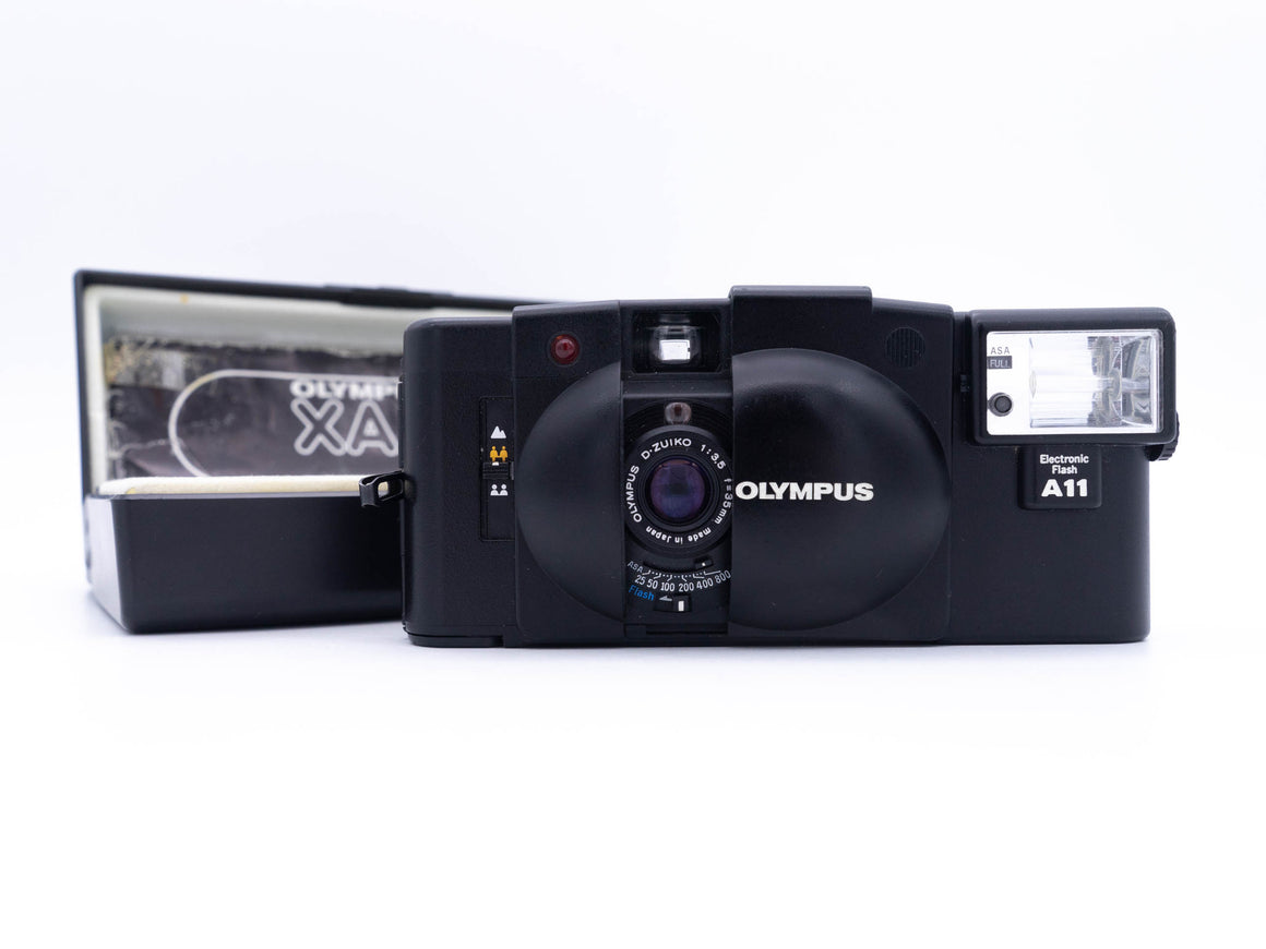 Olympus XA2 35mm Point and Shoot w/ 35mm f3.5 lens