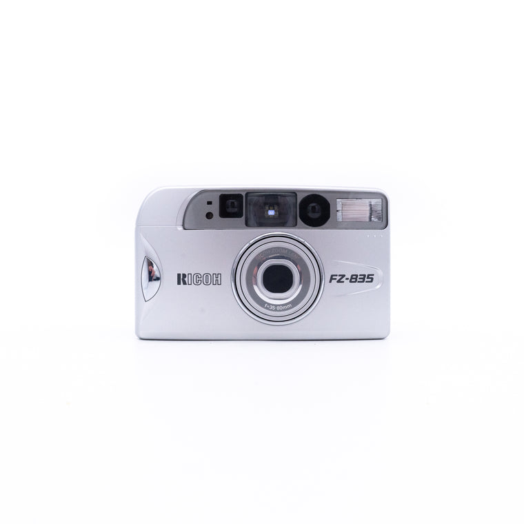 Ricoh FZ-835 Point & Shoot Camera with 35mm - 80mm Zoom Lens