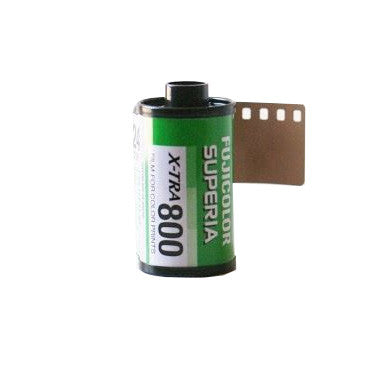 Fujifilm Fujicolor Superia X-TRA 800 Color Negative Film (35mm Roll Film, 24 Exposures)