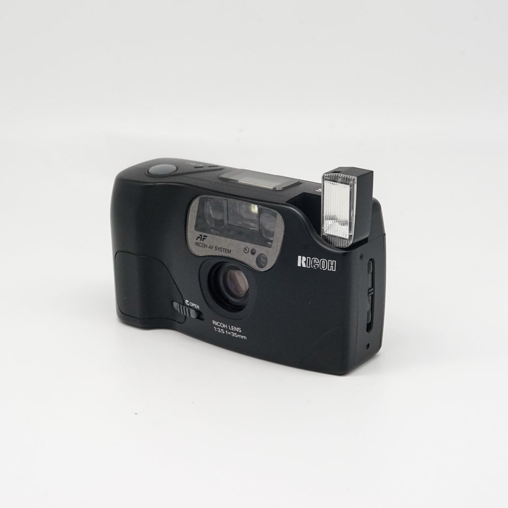 Ricoh FF-9s Point and Shoot camera
