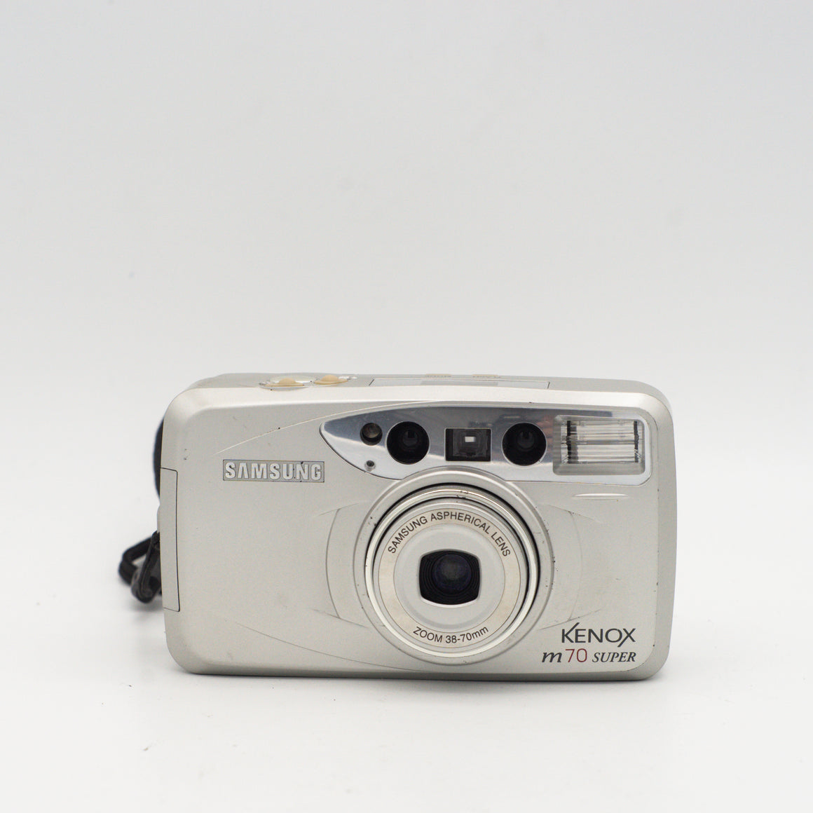 Samsung Kenox 35mm point and shoot camera