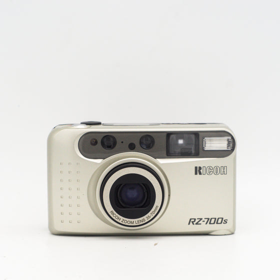 Ricoh Rz-700s 35mm Point and shoot camera