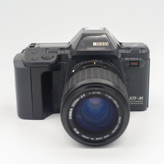 Ricoh 35mm SLR Film camera with zoom lens