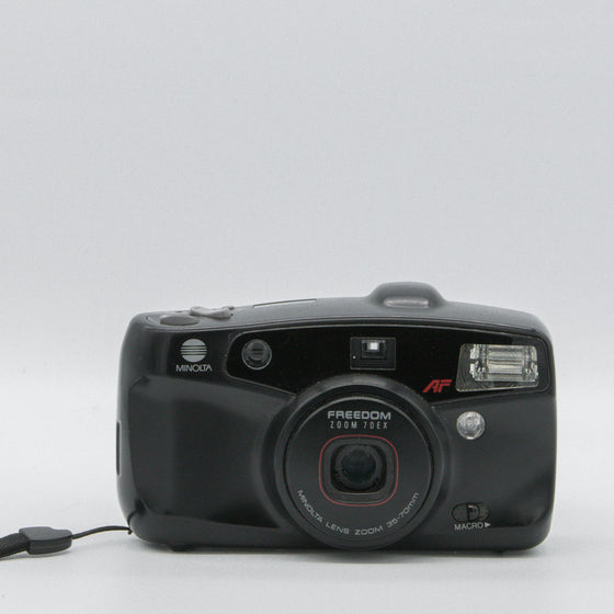 Minolta freedom zoom 70ex point and shoot camera