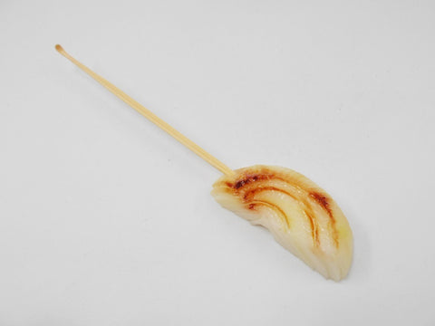 Grilled Onion Ear Pick