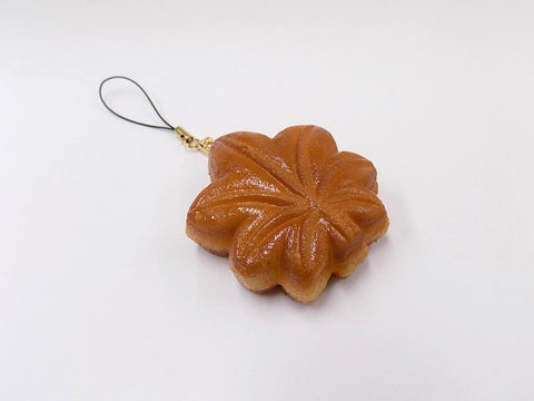 Momiji Manju (Maple Leaf-Shaped Steamed Bun) Cell Phone Charm/Zipper Pull