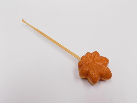 Momiji Manju (Maple Leaf-Shaped Steamed Bun) (small) Ear Pick