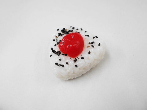 Onigiri (Rice Ball) (medium) with Umeboshi (Pickled Plum) Magnet