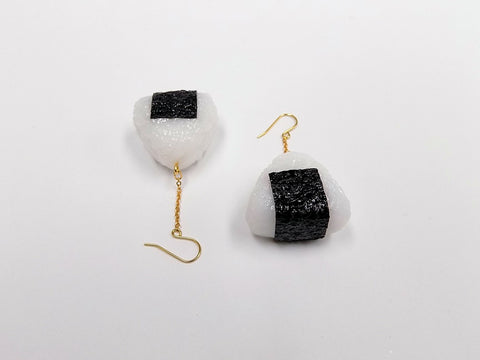 Onigiri (Rice Ball) (small) Pierced Earrings