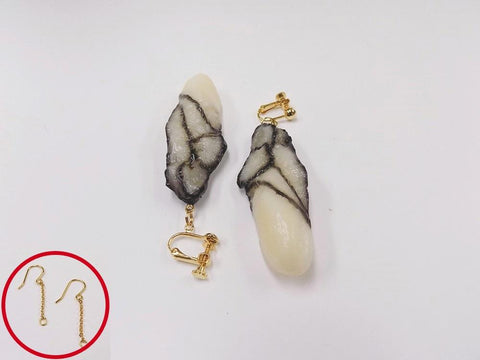 Oyster Pierced Earrings