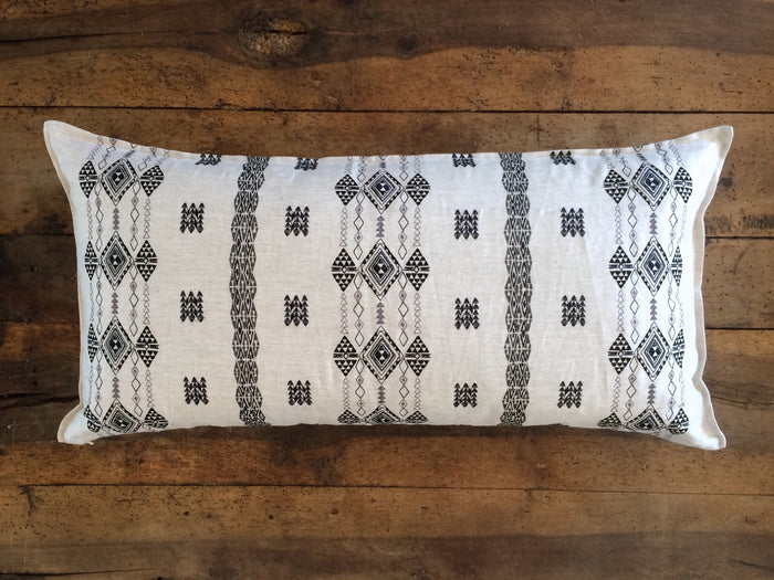 Berber Pillow | Black/Ivory