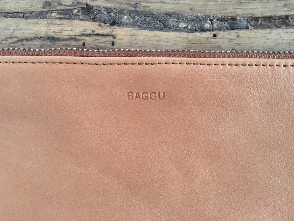 BAGGU Flat Leather Pouch | Medium Saddle