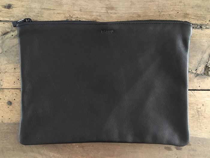 BAGGU Flat Leather Pouch | Medium Black