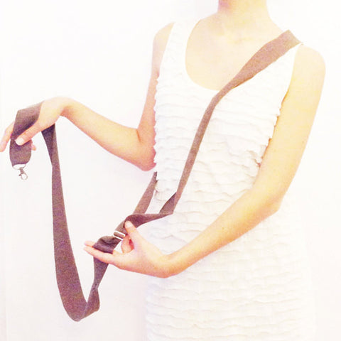 CROSS-BODY LEASH
