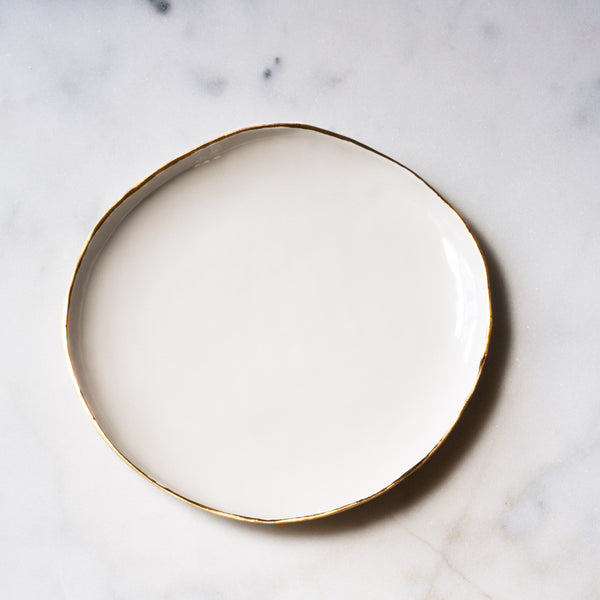 Dinner Plate in White with Gold Rim