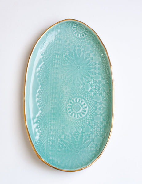 Lace Serving #1 in Mint with Gold Rim