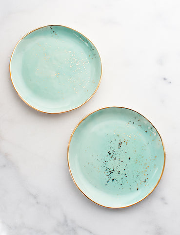 Limited Edition: Dessert Plates in Mint with Gold Splatters