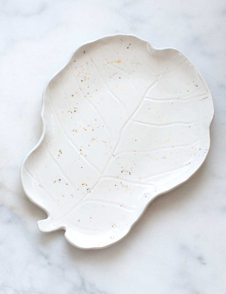 Fiddle Leaf Fig Cheeseboard in White with Gold Splatters