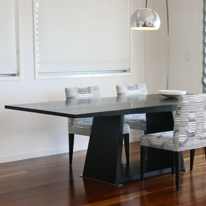 Kiila table