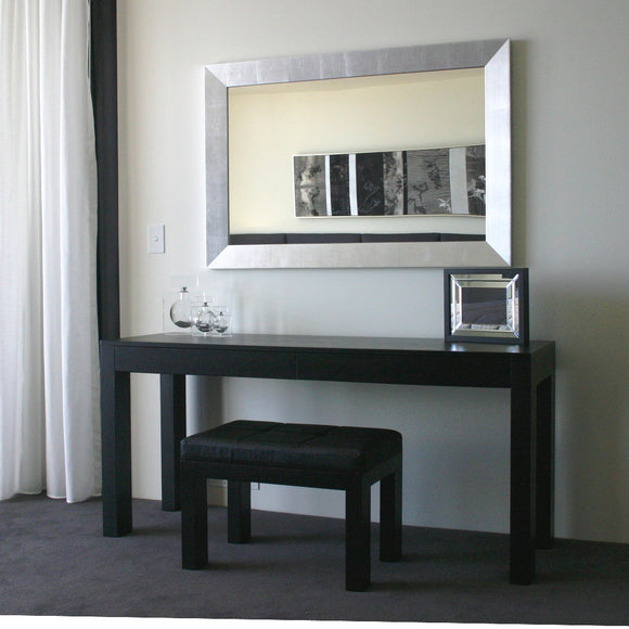 Markus dressing table/ desk