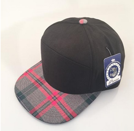 Black/ Grey & Red Plaid 6-Panel Hybrid Snapback