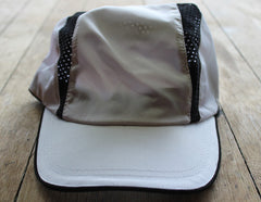 Performance Runner Cap White/ Black