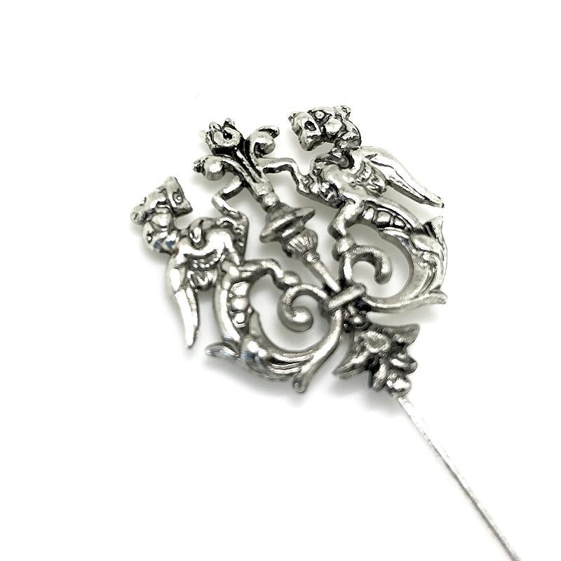 Lapel Pin Thrones Silver