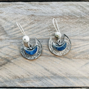 Crescent tribal earrings - Lapis