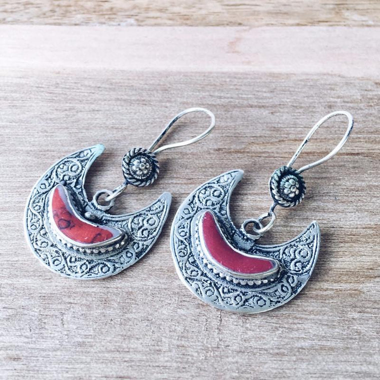 Crescent tribal earrings - Coral - Lost Lover