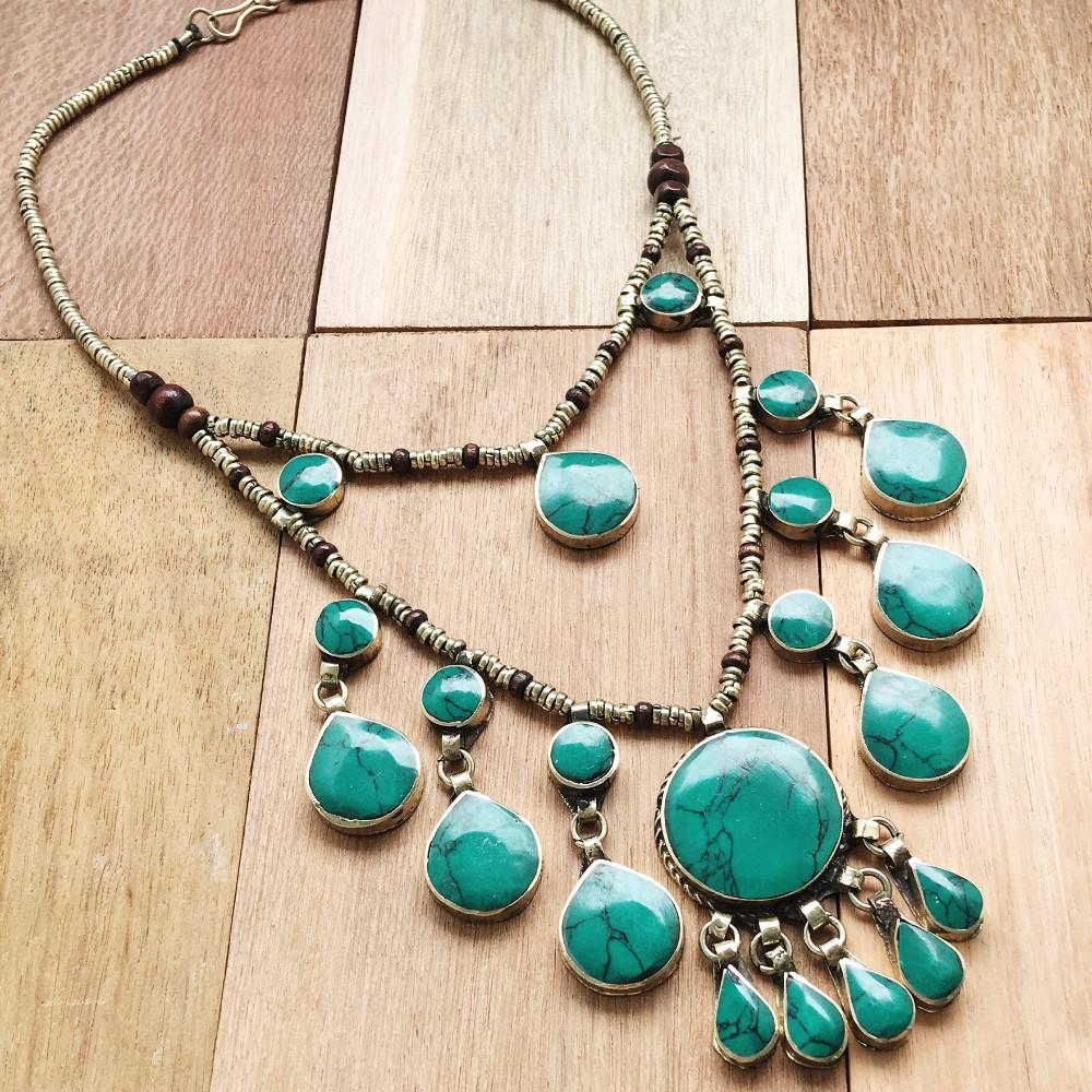 set a pearl layer green stone necklace