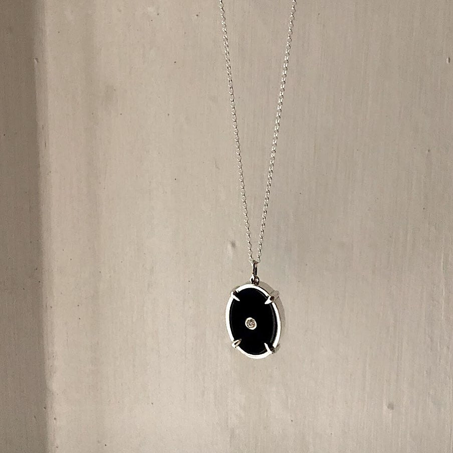The Oval Onyx Necklace