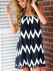 Wavy Curve Print Sleeveless Backless Mini Dress