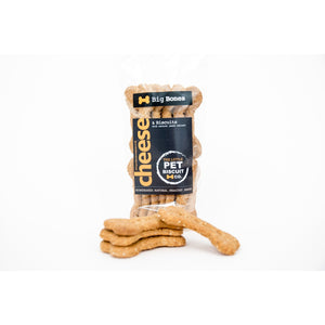 Cheese & Natural Yeast Extract dog biscuits for larger breeds