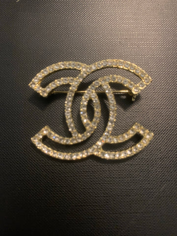 Chic Chic Outlined Brooch