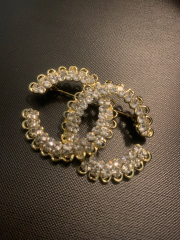 Chic Chic Crystal  Brooch