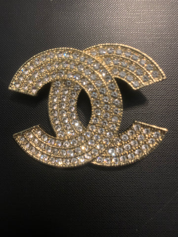 Chic Chic Large Brooch