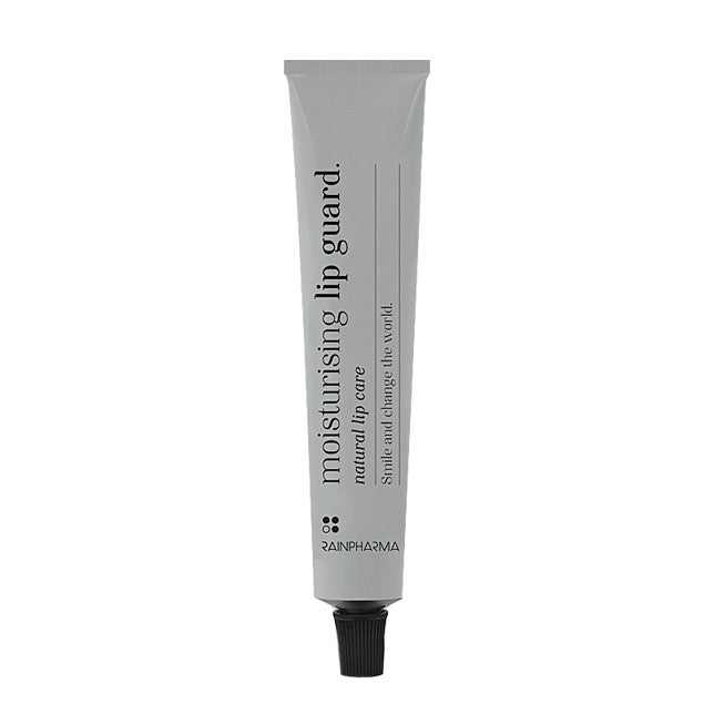 Moisturising lip guard