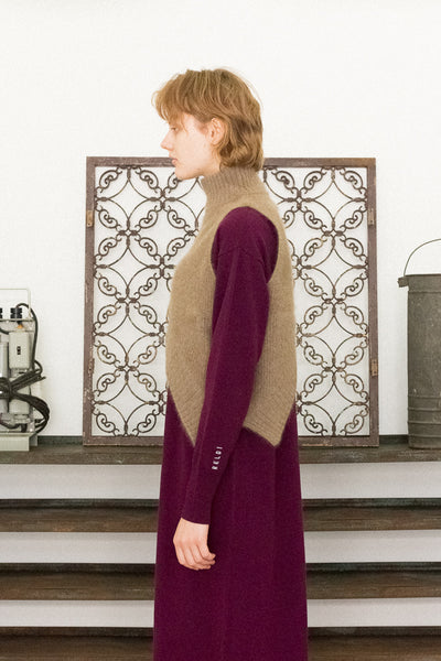 RACCOON ASYMMETRY KNIT TOPS 【GINGER 12月号表紙 桐谷美玲さん&河北麻友子さん着用】