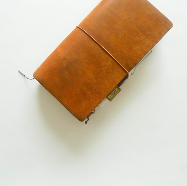 Traveler's Notebook (Regular Size) Starter Kit in CAMEL