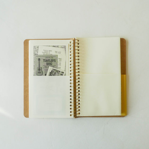 Spiral Ring Notebook: Paper Pocket