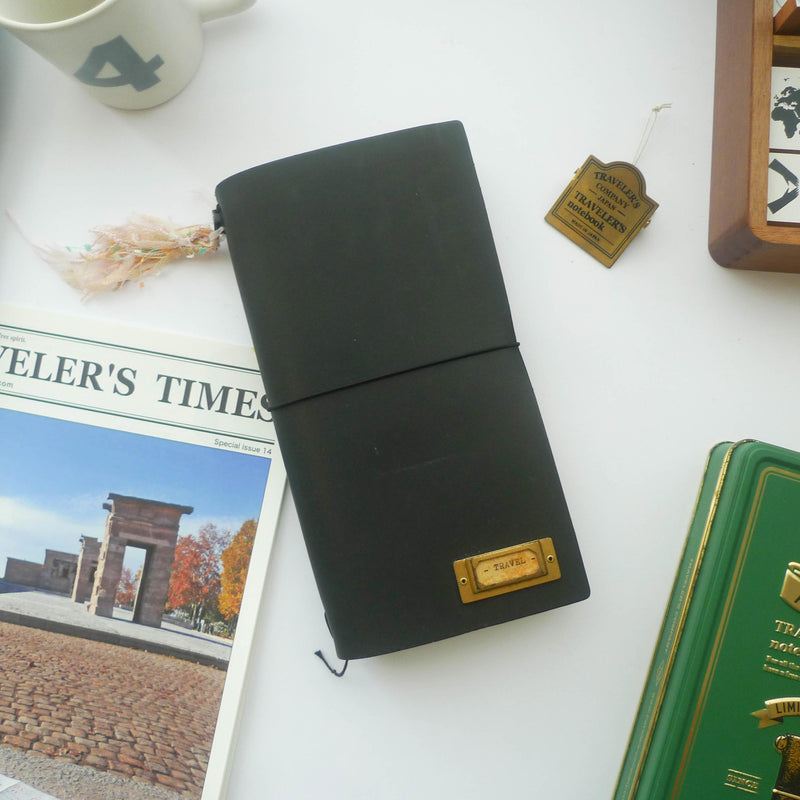 TRAVELER'S Notebook (Regular Size) Starter Kit in BLACK