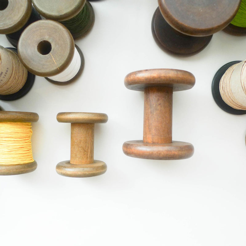 PaperPhine: Stained Wooden Vintage Bobbins